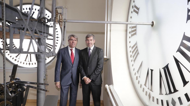 (De izquierda a derecha): El presidente de la Comunidad de Madrid, Ángel Garrido; el presidente del Gobierno de Canarias, Fernando Clavijo.