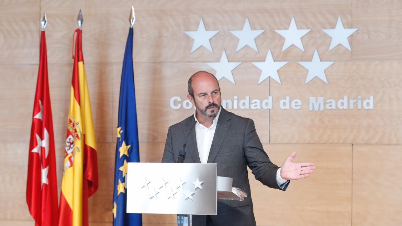 Ímágenes de Pedro Rollán en la rueda de prensa