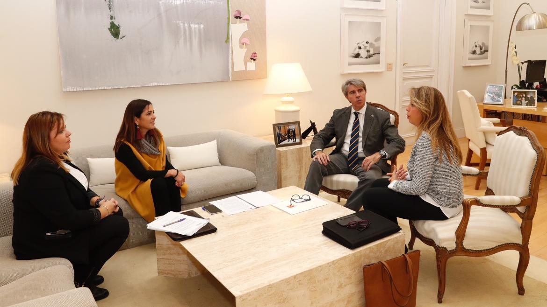 El presidente Ángel Garrido ha recibido hoy a la alcaldesa de Moraleja de Enmedio en la sede del Gobierno regional