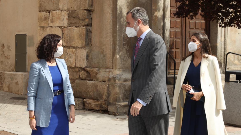 Díaz Ayuso Asiste Al Homenaje Del Día Internacional Del Libro Presidido Por Ssmm Los Reyes Comunidad De Madrid