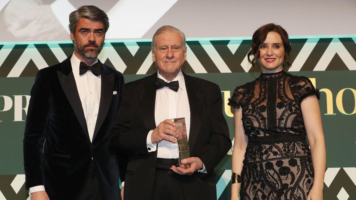 Díaz Ayuso durante la gala de los Premios Mujerhoy