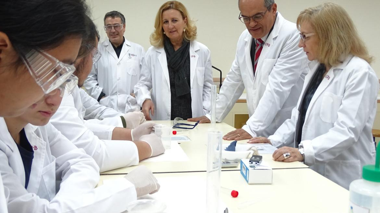 Rafael van Grieken en el taller 'Detección de sangre'