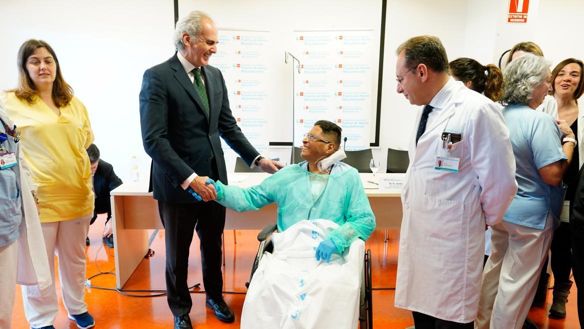 Enrique Ruiz Escudero durante la presentación del primer trasplante de corazón procedente de donante en asistolia
