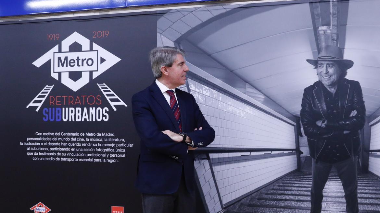 Ángel Garrido presenta la exposición 'Retratos Suburbanos' con motivo del Centenario de Metro