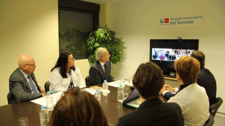 El consejero de Sanidad, Enrique Ruiz Escudero, y el de Políticas Sociales, Familias, Igualdad y Natalidad, Alberto Reyero