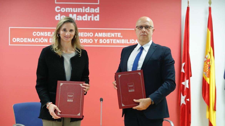 Paloma Martín, ha firmando un acuerdo con la AEMET para poner en marcha el proyecto pionero SISPAIR