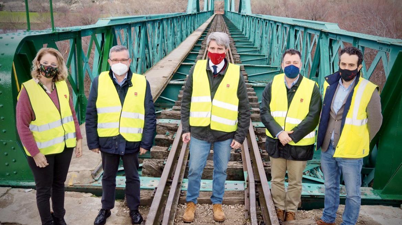 La Comunidad rehabilita el puente ferroviario histórico de La Poveda