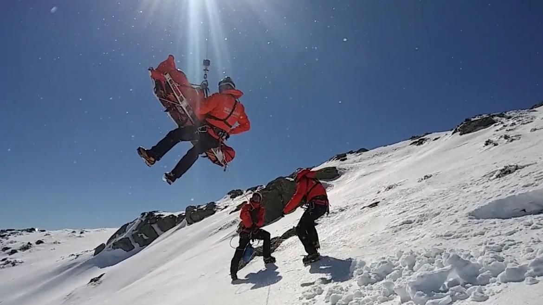 Bomberos del GERA en una intervención en montaña