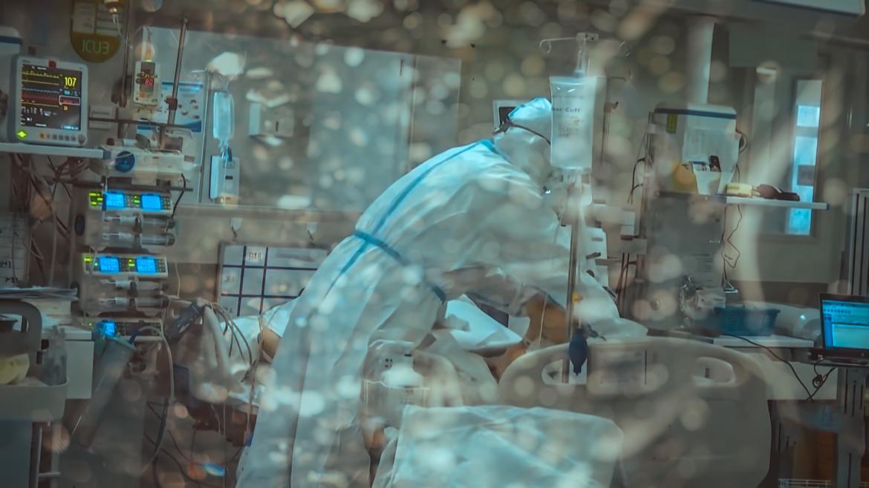 Medico uci cuidados