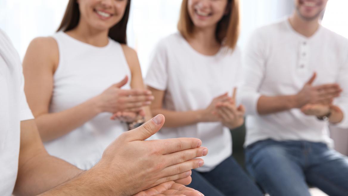Contrataremos nuevos intérpretes de lengua de signos para garantizar la atención a alumnos con discapacidad auditiva