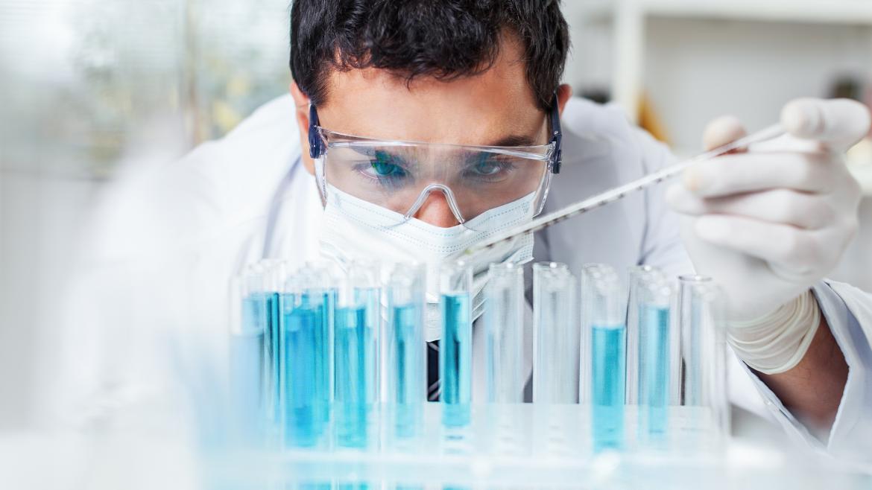 Un investigador