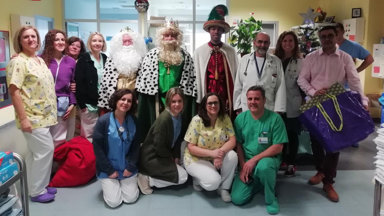 Los Reyes Magos de Oriente durante su visita al Hospital Universitario del Tajo