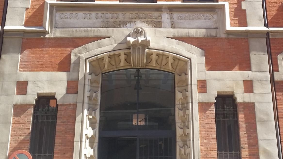 Fachada edificio de Hospitalización del Hospital Santa Cristina