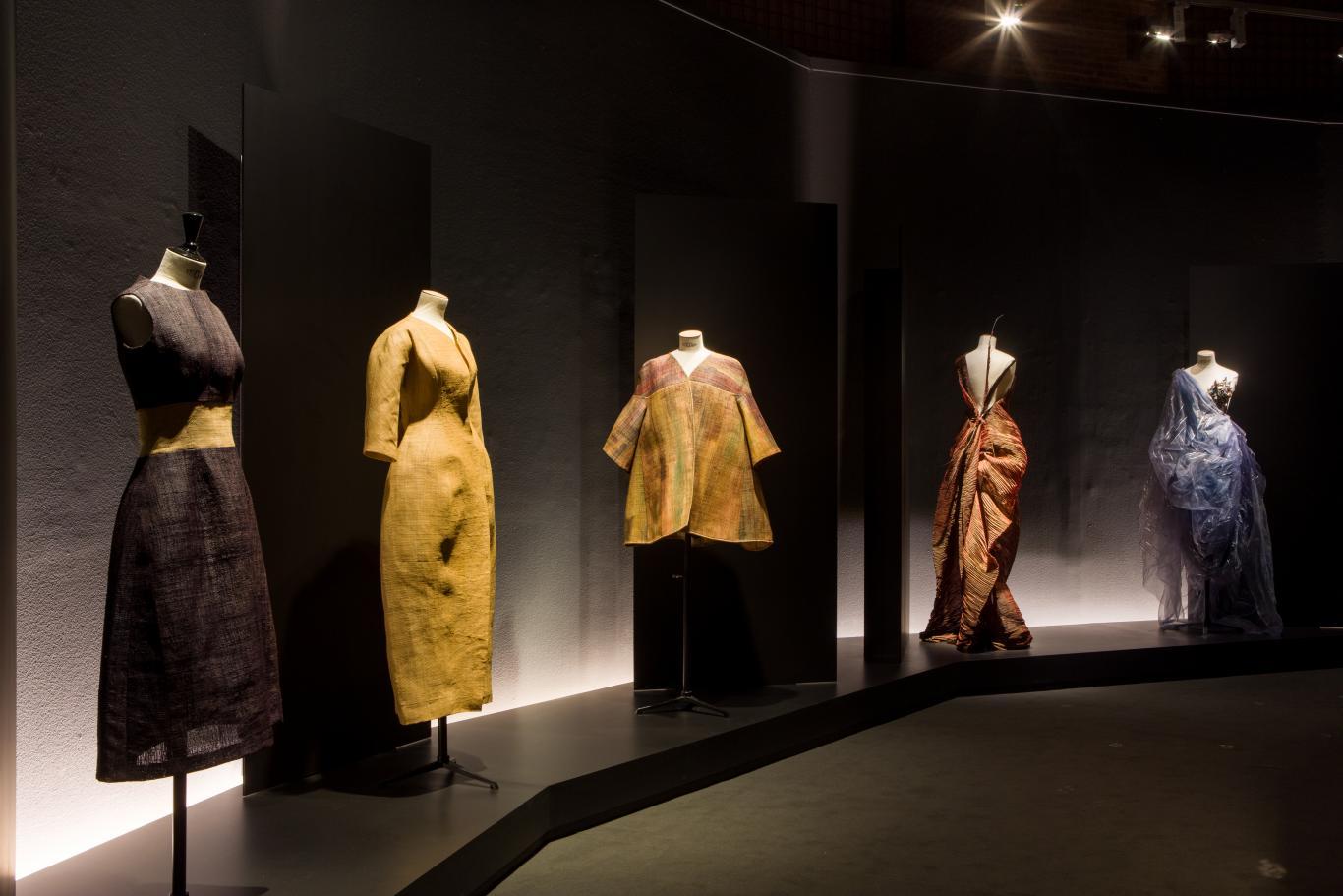 5 vestidos diseños de Jesús del Pozo