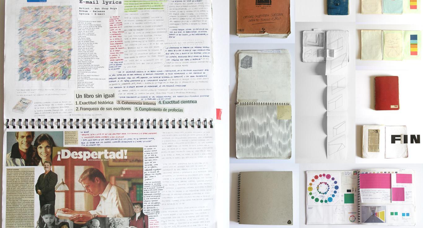 Cuadernos abiertos con obra del artista