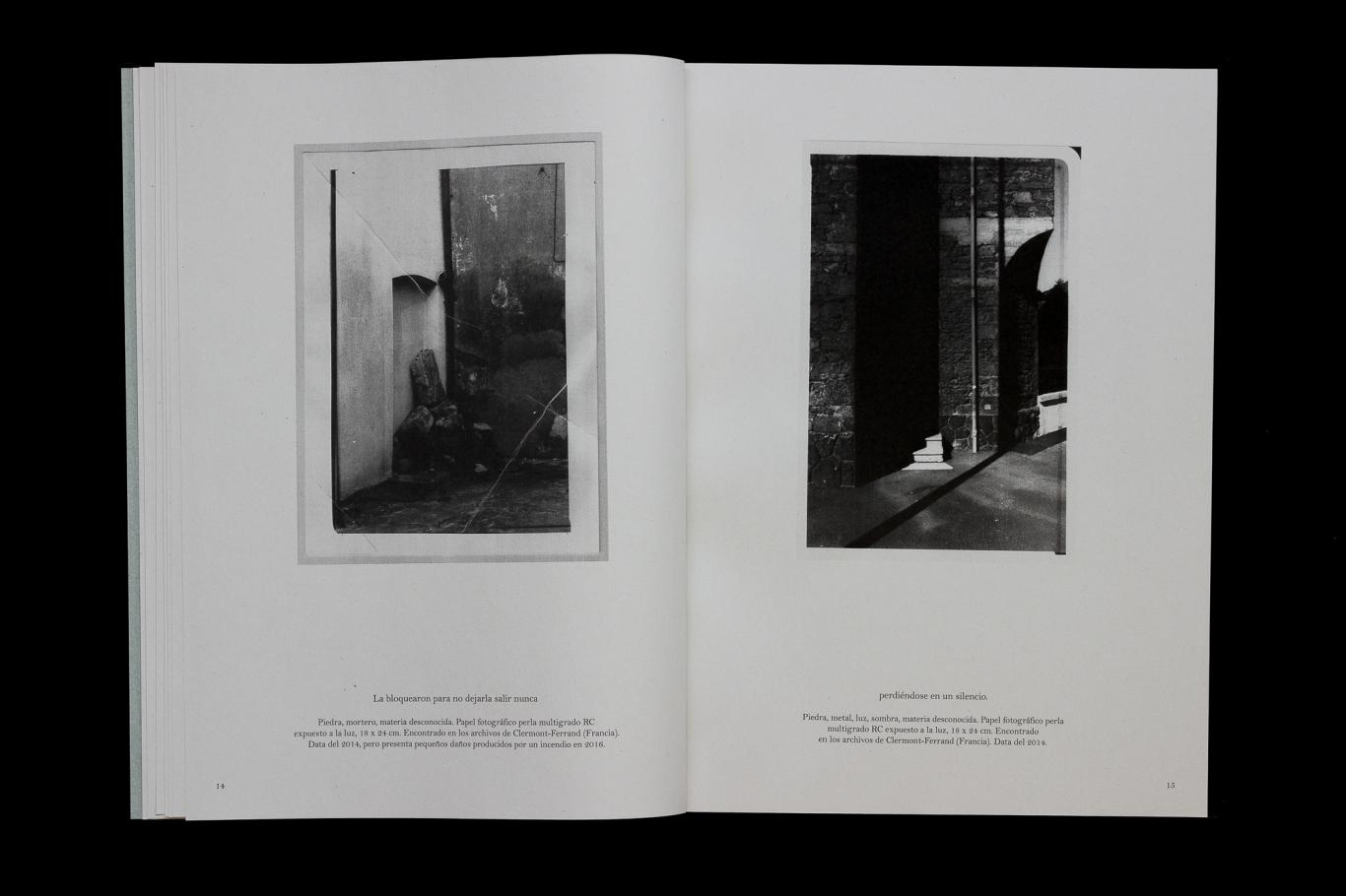Foto de dos libros abiertos
