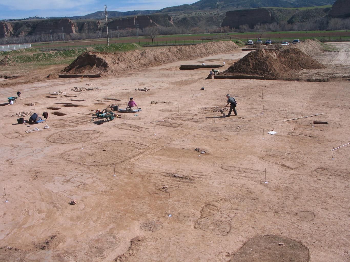 Imagen de proceso de excavación necrópolis bajoimperial Magdalena III