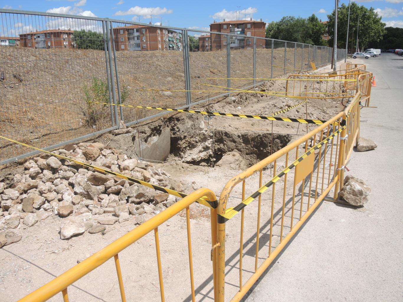 Imagen de los sondeos arqueológicos realizados en la Avenida Reyes Católicos