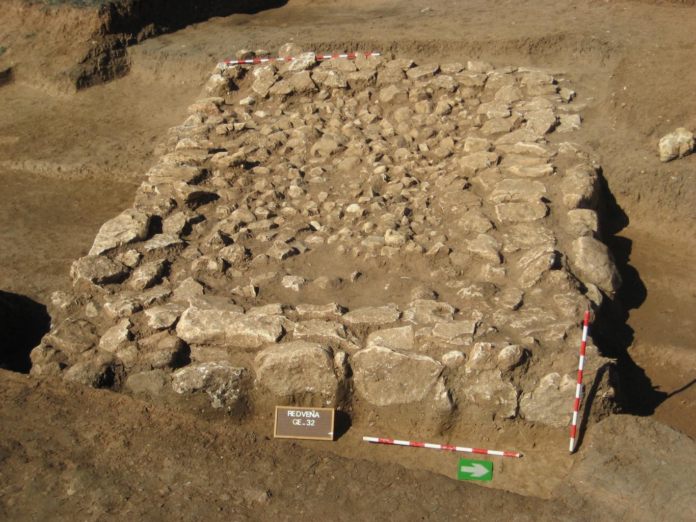 Vista de una de las cabañas del yacimiento