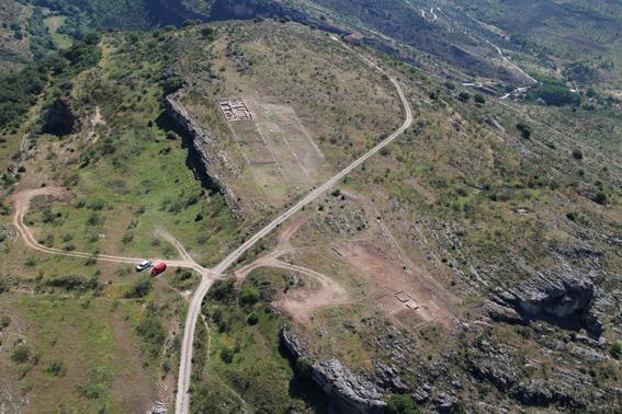 Imagen de la vista aérea de la plataforma superior del Yacimiento de la Dehesa de la Oliva