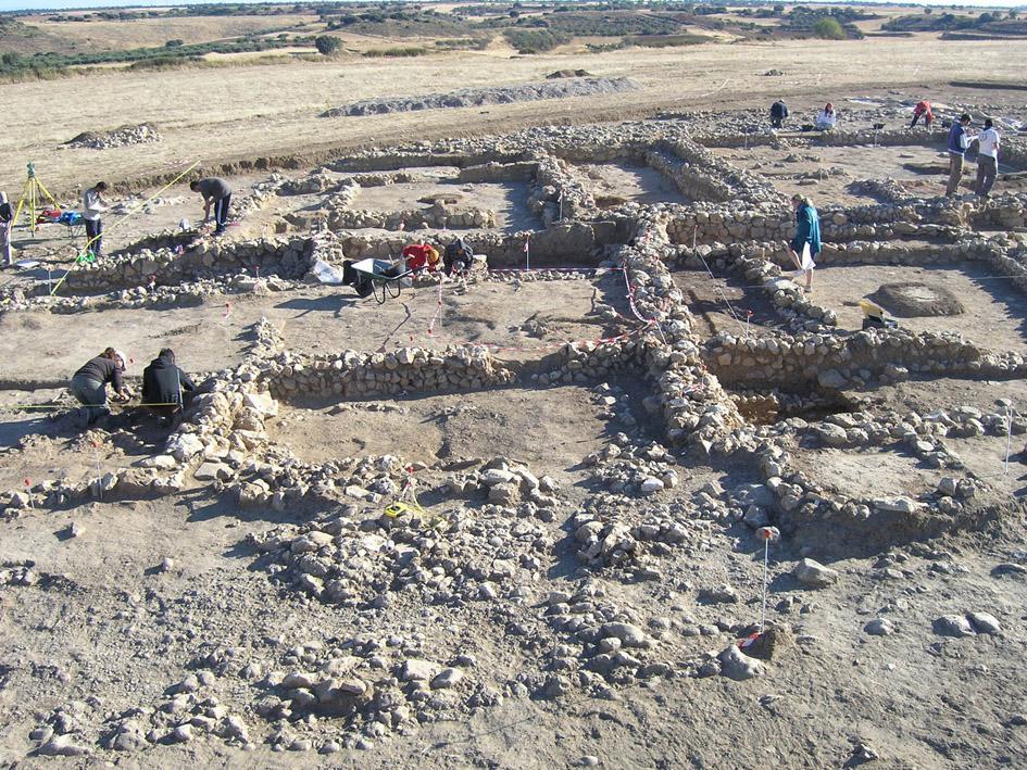 Imagen de la vista de las excavaciones arqueológicas realizadas en el yacimiento del Llano de la Horca