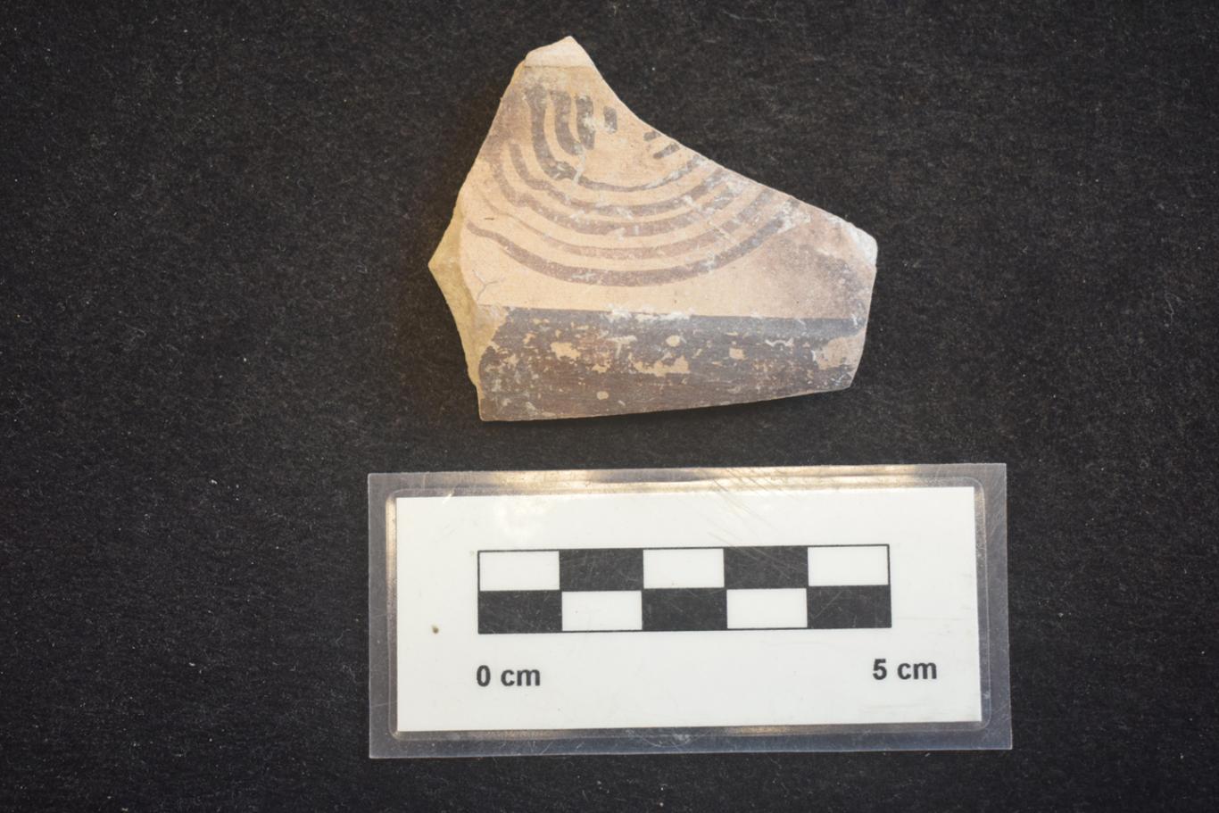 Imagen de cerámica pintada de la Segunda Edad del Hierro en Yacimiento El Colegio en Valdemoro