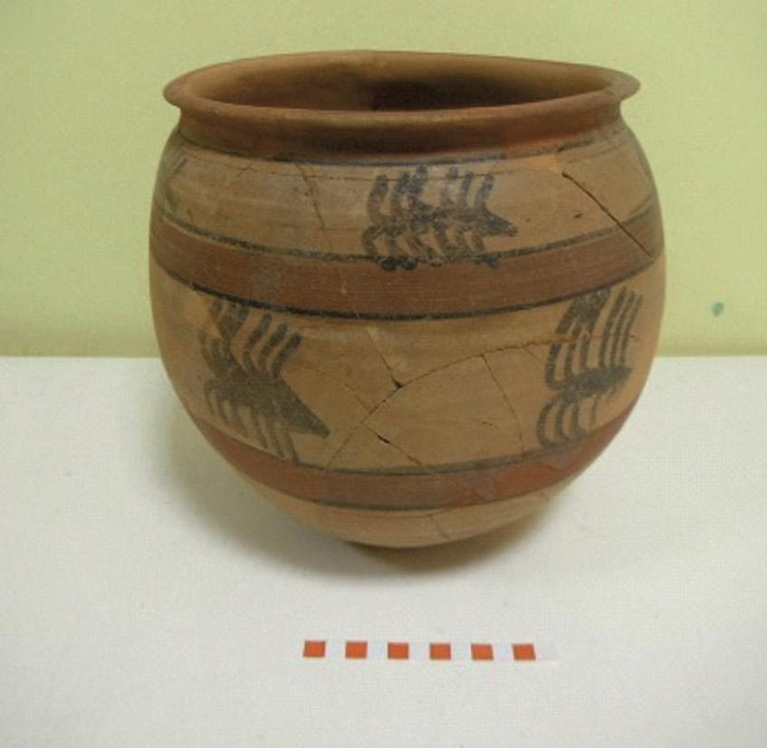 Imagen de cerámica carpetana con decoración pintada
