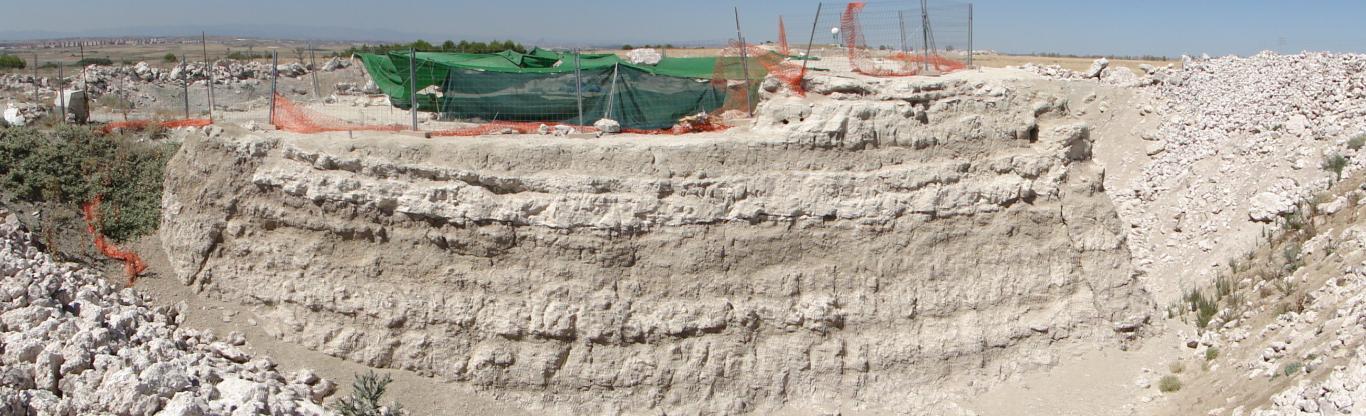 Imagen del Yacimiento Batallones 10 Vista del perfil geológico 2010