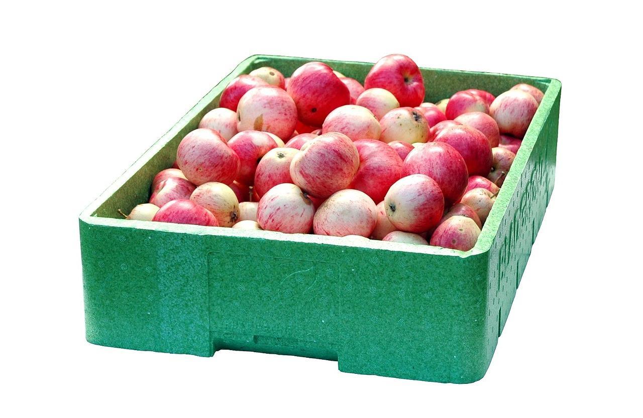 Caja con manzanas