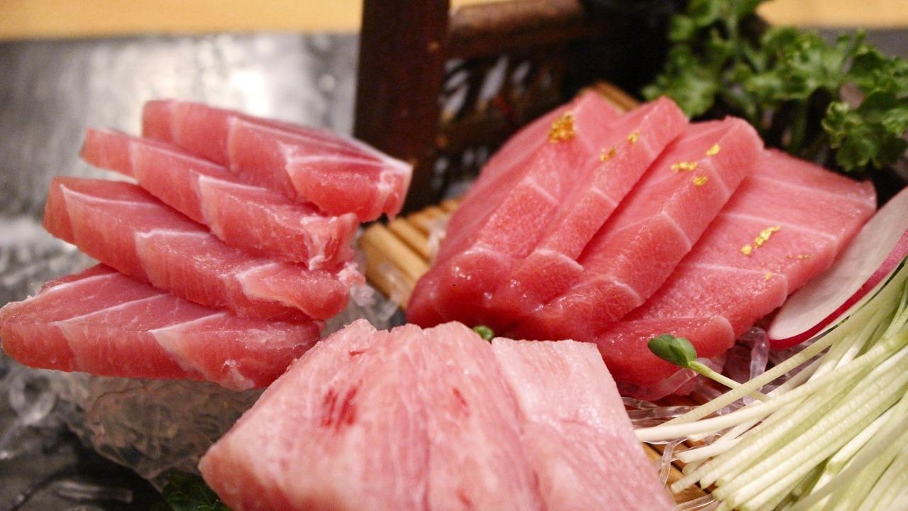 Sushi de atún