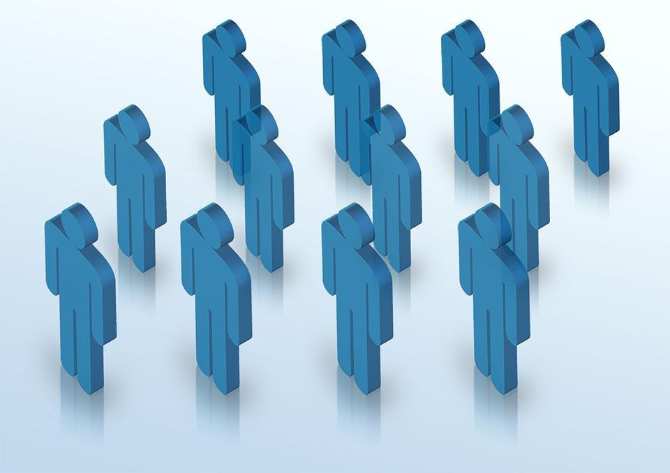 Imagen de 12 figuras antropomorfas en color azul sobre fondo blanco