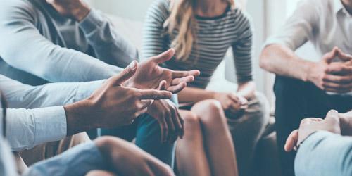 Imagen ilustrativa de una intervención grupal en un Centro de Atención Social a personas con enfermedad mental