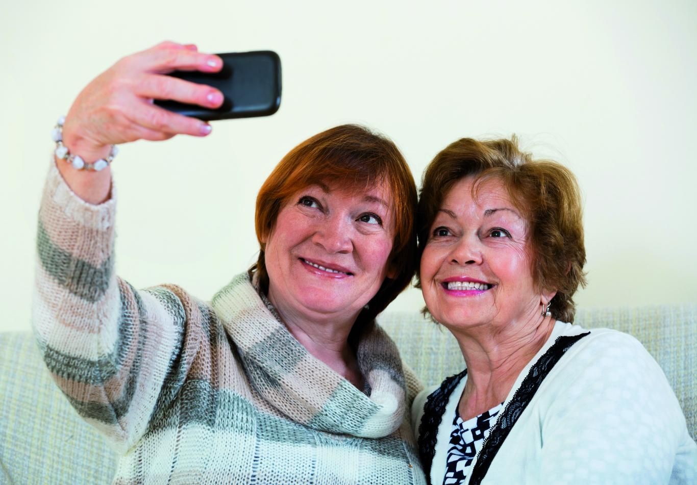 Mujeres haciendo un selfie