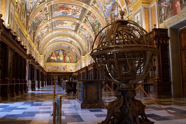 Imagen de la biblioteca del Monasterio de El Escorial