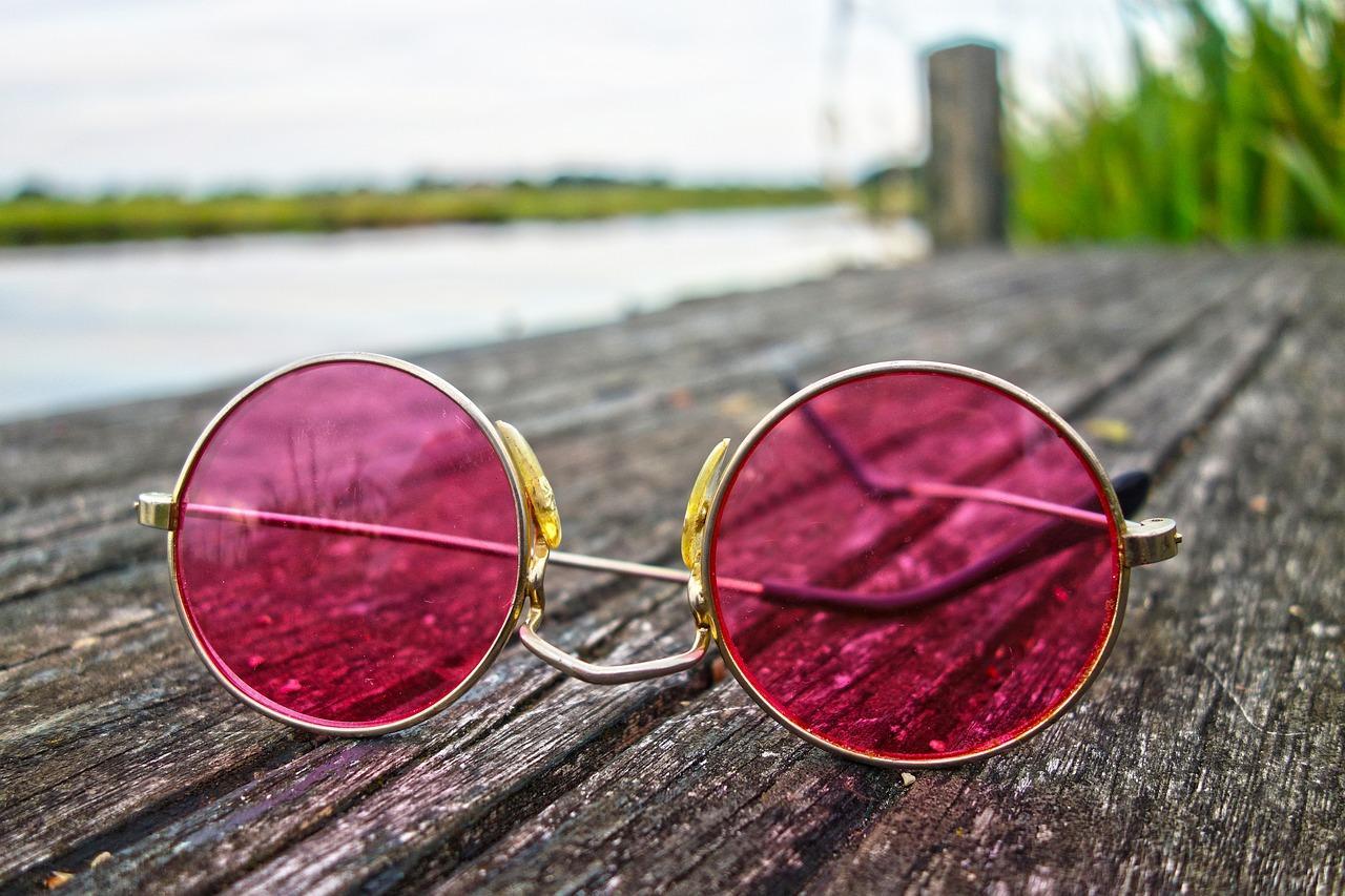 Gafas de cristales rosa