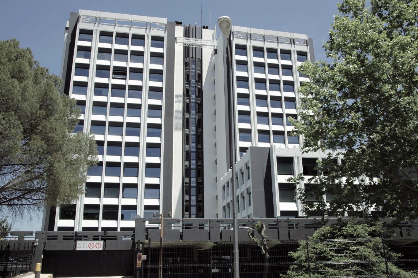 Edificio de oficinas en la calle Condesa de Venadito. Madrid.
