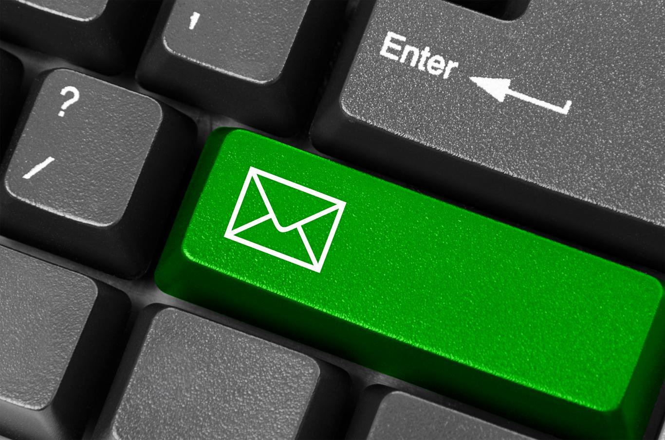 Imagen de correo en teclado