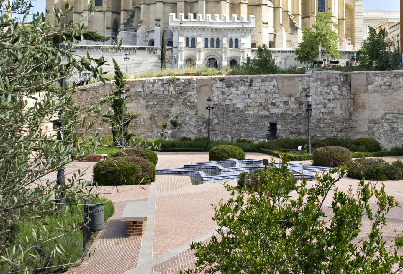 Imagen de la muralla árabe