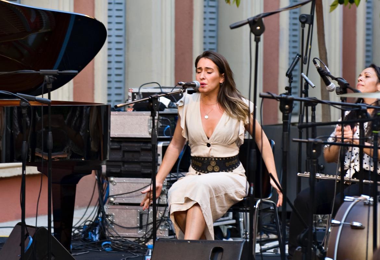 Imagen de Belén Vega en el concierto en el Palacio Parque Florido