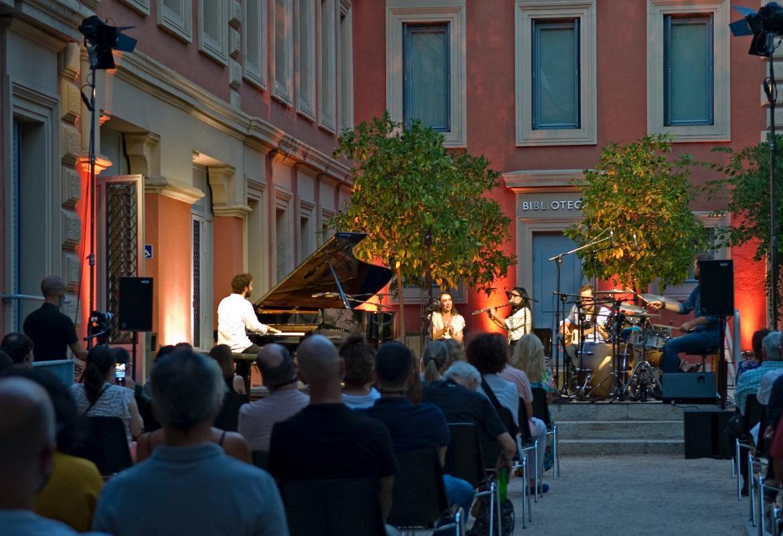 Vista general del concierto en el Palaco Parque Florido