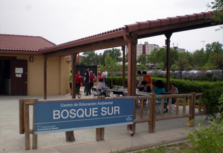 Acceso al Centro de educación ambiental Bosque Sur