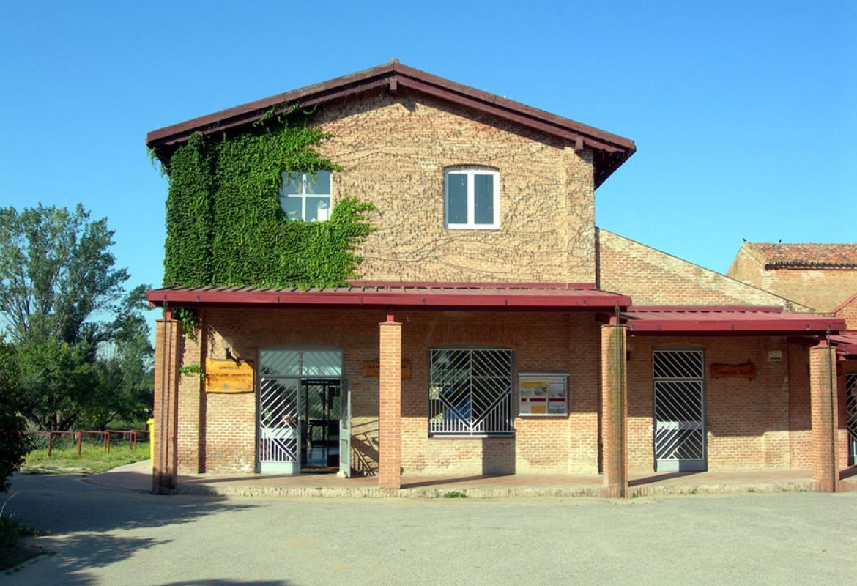 Edificio del Centro de Educación ambiental Caserío de Henares