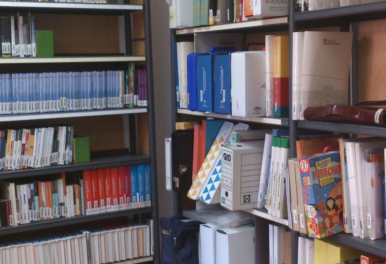 Sala con kits y DVD