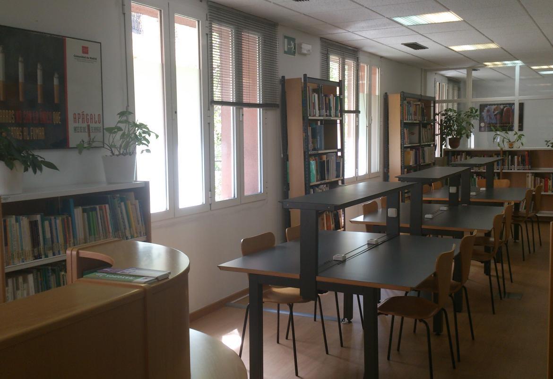 Mesas de la sala de consulta