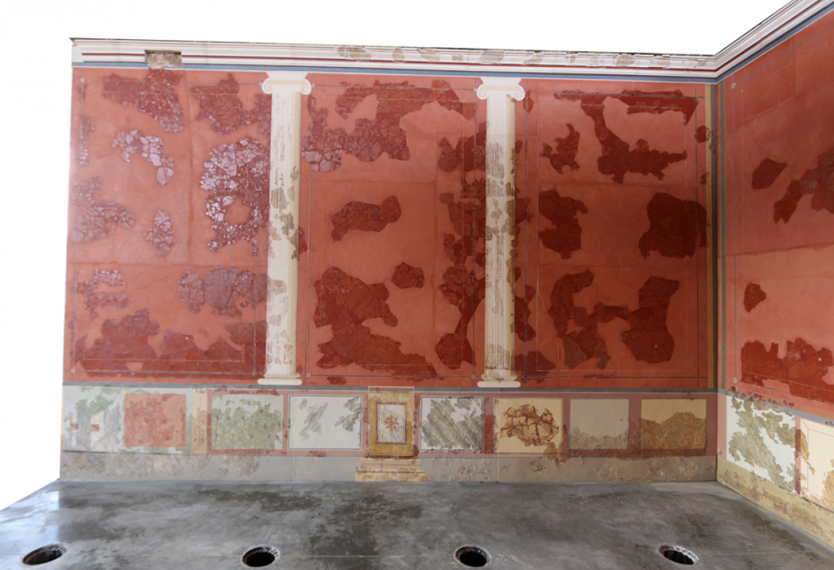 Detail of the mural paintings in room E of the House of Griffins. Image, Sánchez Montes.