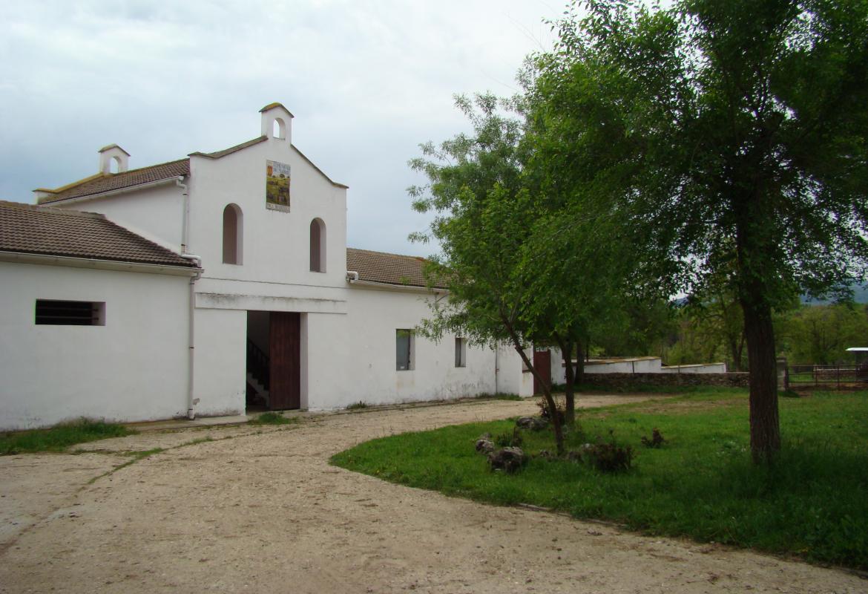 Edificio en la finca Riosequillo