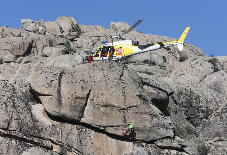 Rescate aéreo en montaña