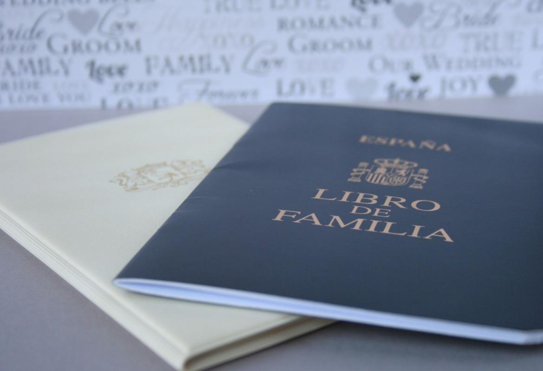 imagen libro familia