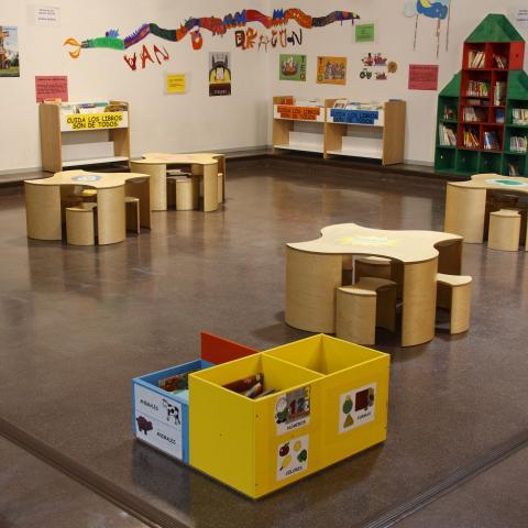 Biblioteca José Hierro (Usera) Sección Infantil.