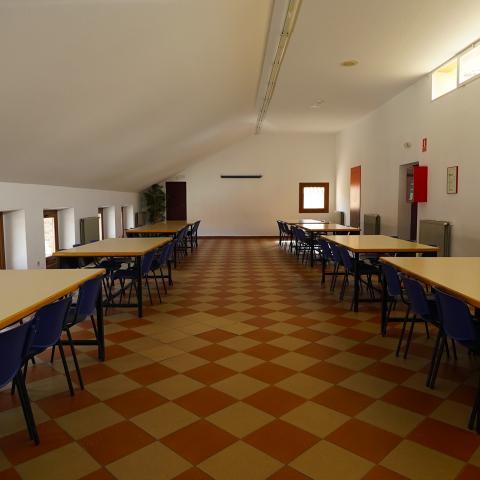 Sala de trabajo Albergue Juvenil los Batanes